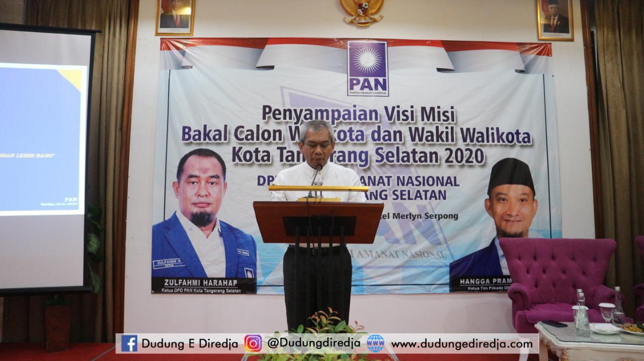 Caption foto : Bakal Cawalkot Tangsel, Dudung E Diredja di kantor PAN Tangsel. Foto : istimewa